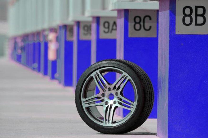 """""""Michelin Pilot Super Sport"""" – greičiausia padanga pasaulyje"""