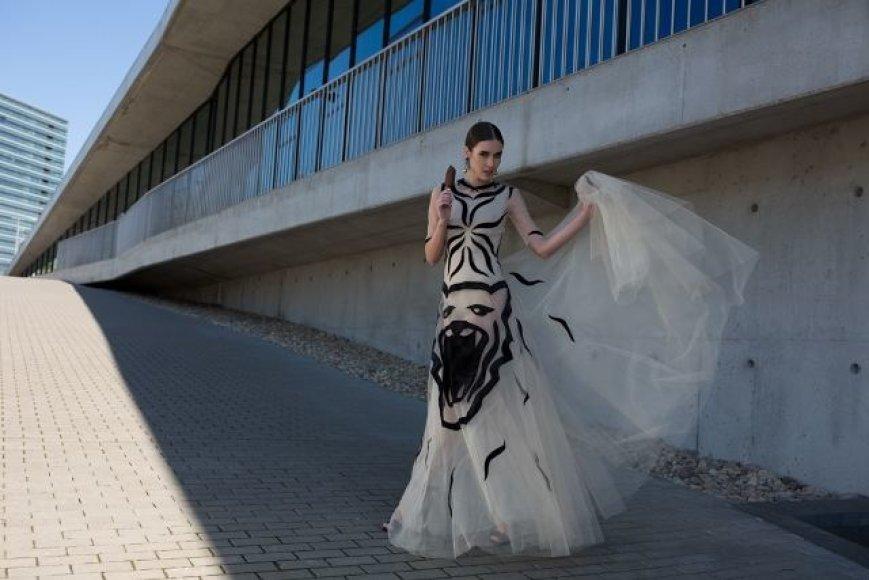 """Agnės Kuzmickaitės kurta kolekcijos """"Išlaisvink žvėrį"""" suknelė"""