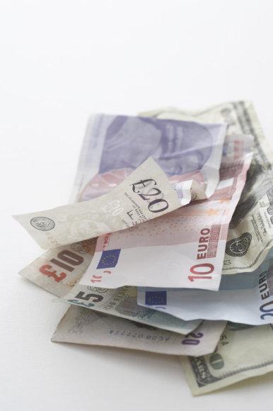 Eurų ir svarų sterlingų banknotai