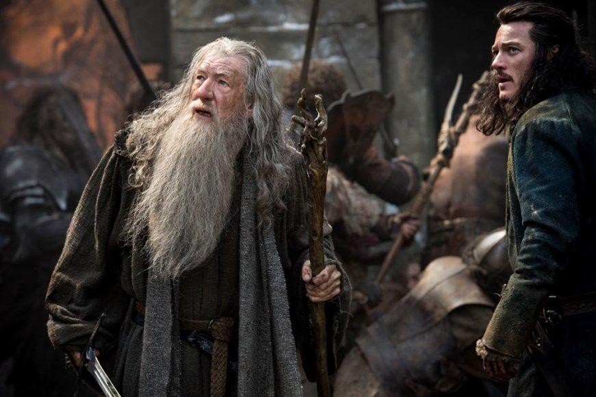 """Ianas McKellenas ir Luke'as Evansas filme """"Hobitas: Penkių armijų mūšis"""""""