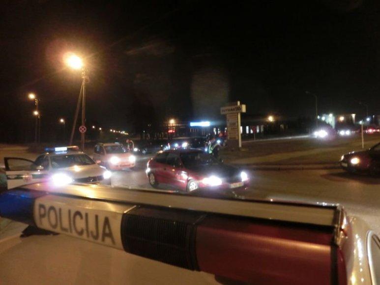 Kaune policija užkirto kelią nelegalioms gatvių lenktynėms