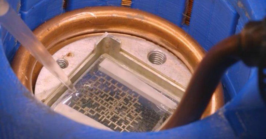 Kompiuteris, kurio veikimas pagrįstas vandens lašeliais