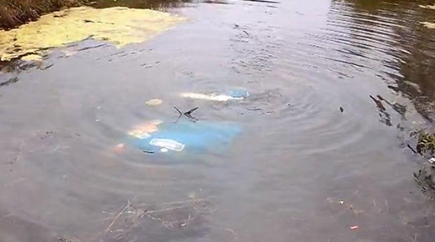 E.Valeišos ir P.Reiso automobilis po vandeniu