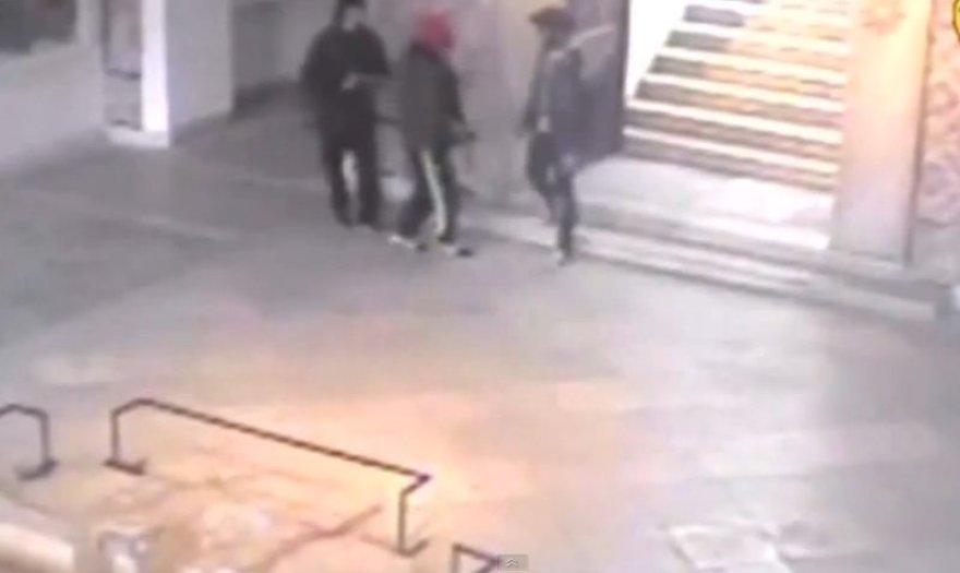 Paviešintas vaizdo įrašas, kuriame – Tuniso muziejų atakavę užpuolikai.