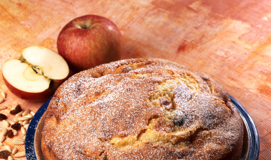 Obuolių pyragas, kuriame nesijaučia kieti obuoliai