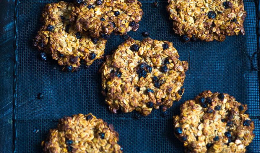 Pusrytiniai avižinių dribsnių sausainiai