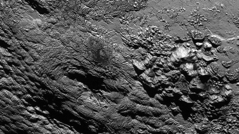 Plutono paviršus