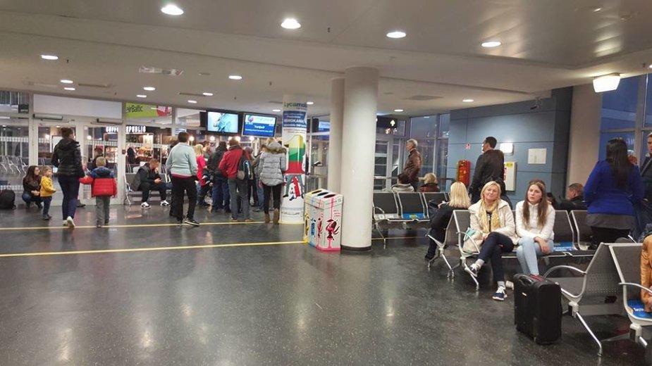 Į Hurgadą turėję išskristi keleiviai vis dar laukia lėktuvo VNO