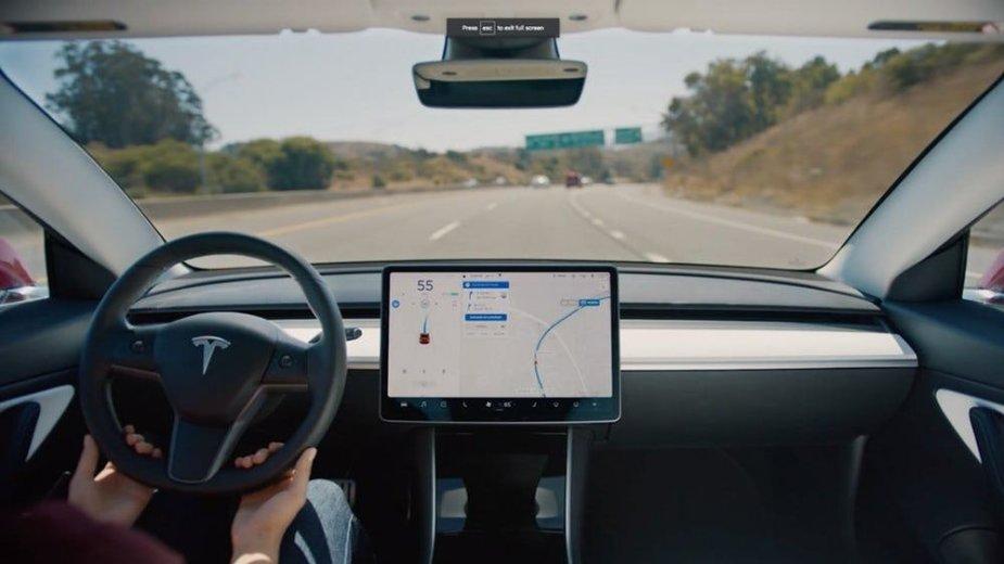 """""""Tesla"""" autopilotas"""