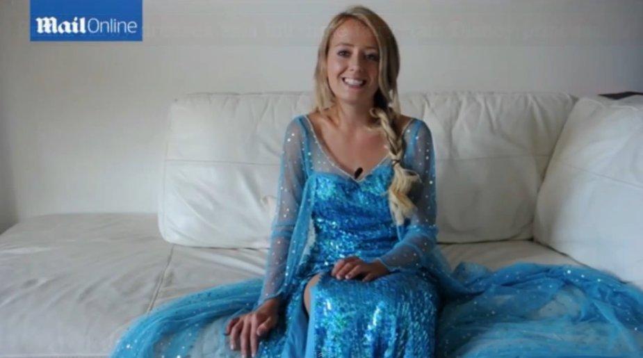 """Emma Kirby, persirengusi karaliene Elsa iš filmo """"Ledo šalis"""""""