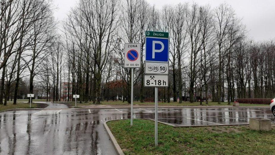 Automobilių stovėjimo aikštelės prie Kalniečių parko