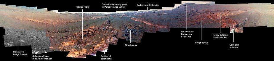 """Paskutinė """"Opportunity"""" užfiksuota panorama, kurioje matoma paskutinio zondo poilsio vieta"""