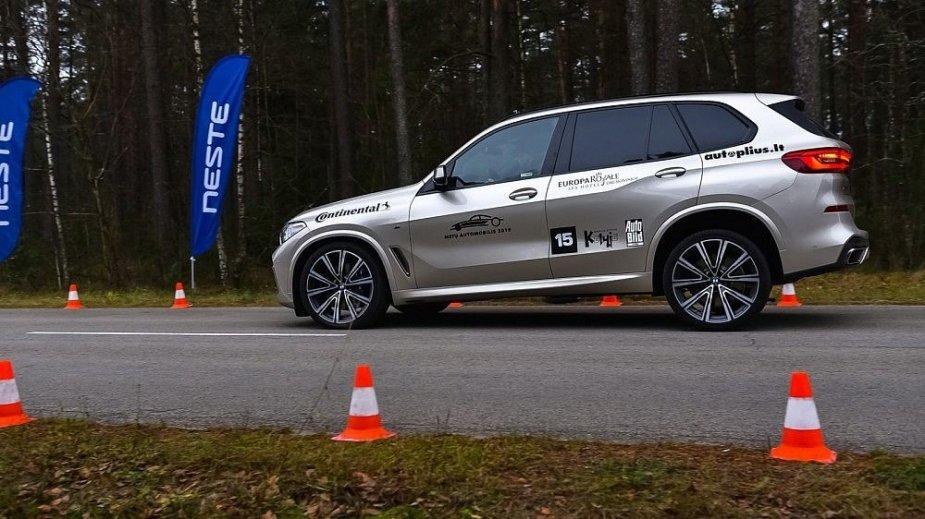 Automobilių stabdymo testai šalia Druskininkų