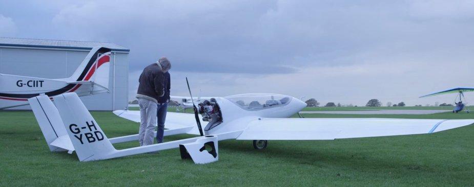 Pirmasis lėktuvas hibridiniu varikliu