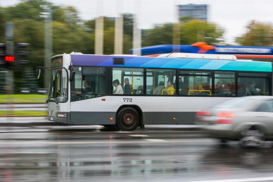 Juliaus Kalinsko / 15min nuotr./Viešasis transportas kelis kartus padidina gatvių pralaidumą