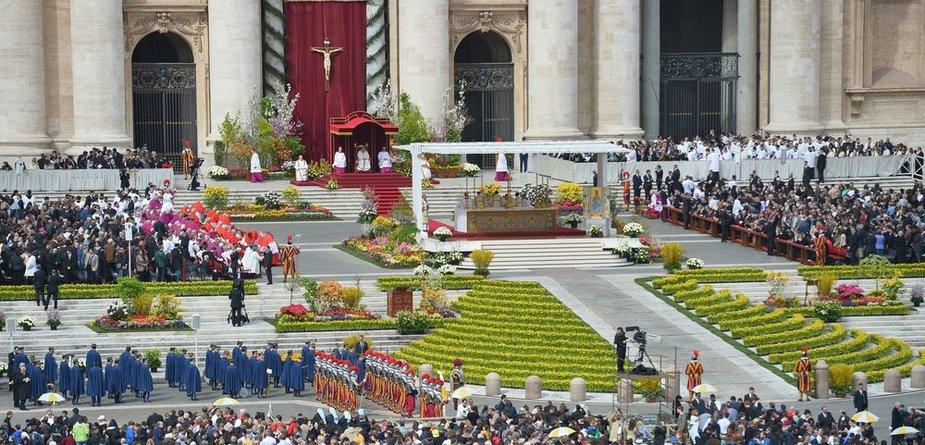Velykų iškilmės Šv. Petro aikštėje Vatikane