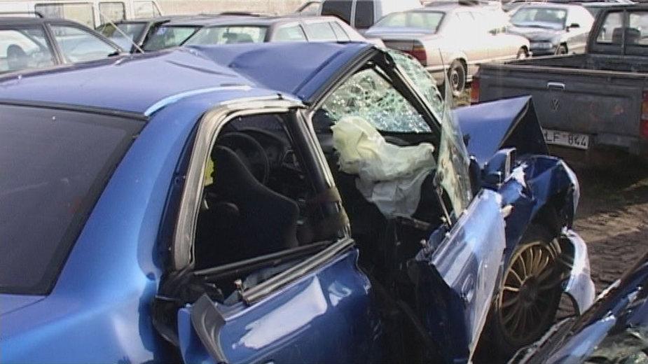"""udaužytas policininko automobilis """"Subaru Impreza"""""""