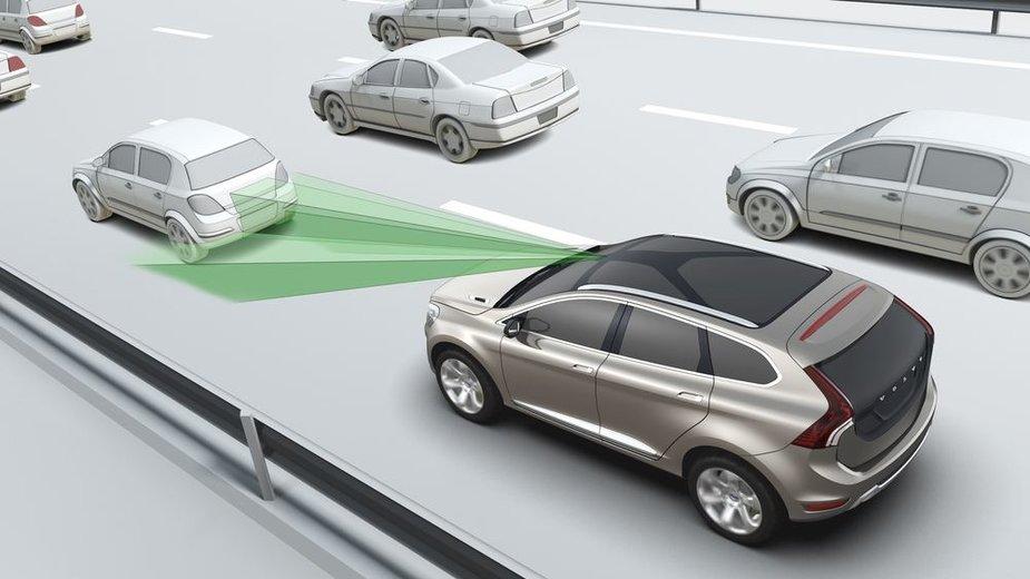 """""""Volvo City Safety"""" sistemos veikimo principas"""