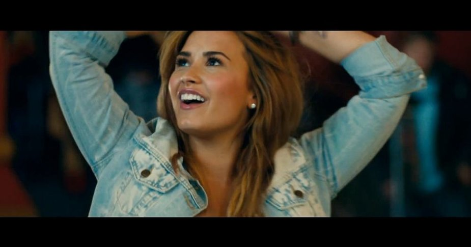 "Demi Lovato vaizdo klipe ""Made in the USA"""