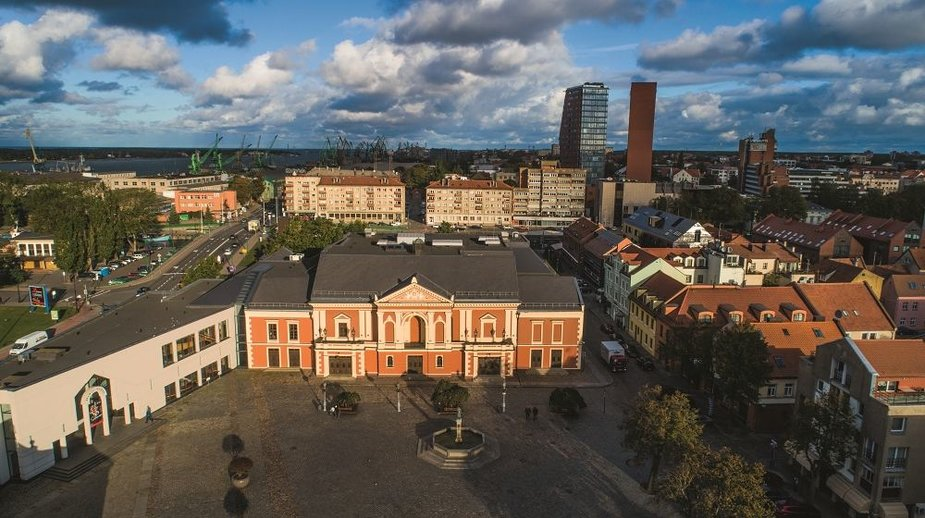 Klaipėdos teatro aikštė