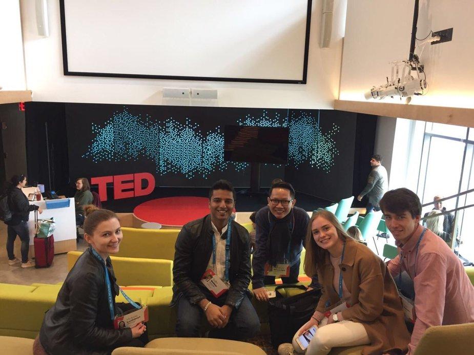 Organizatorių nuotr./ISM Vadybos ir ekonomikos universitetui ir TEDxISM renginiui atstovavusi Finansų bakalauro studijų trečiakursė Dovilė Daugvilaitė