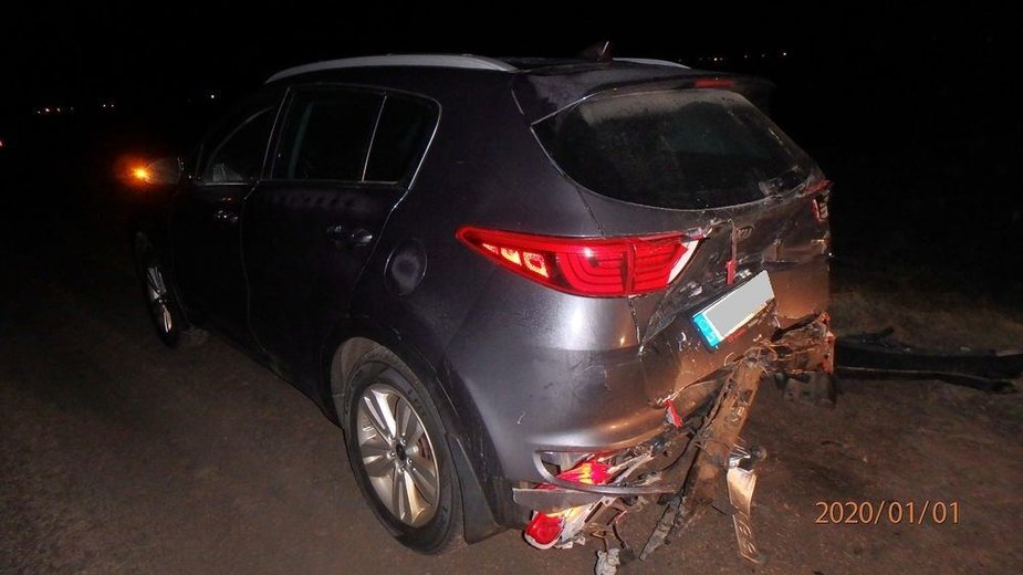 Girtas vairuotojas Kauno rajone rėžėsi į priešais važiuojančią KIA
