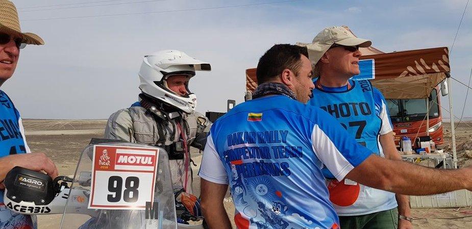 Balys Bardauskas su komanda finiše