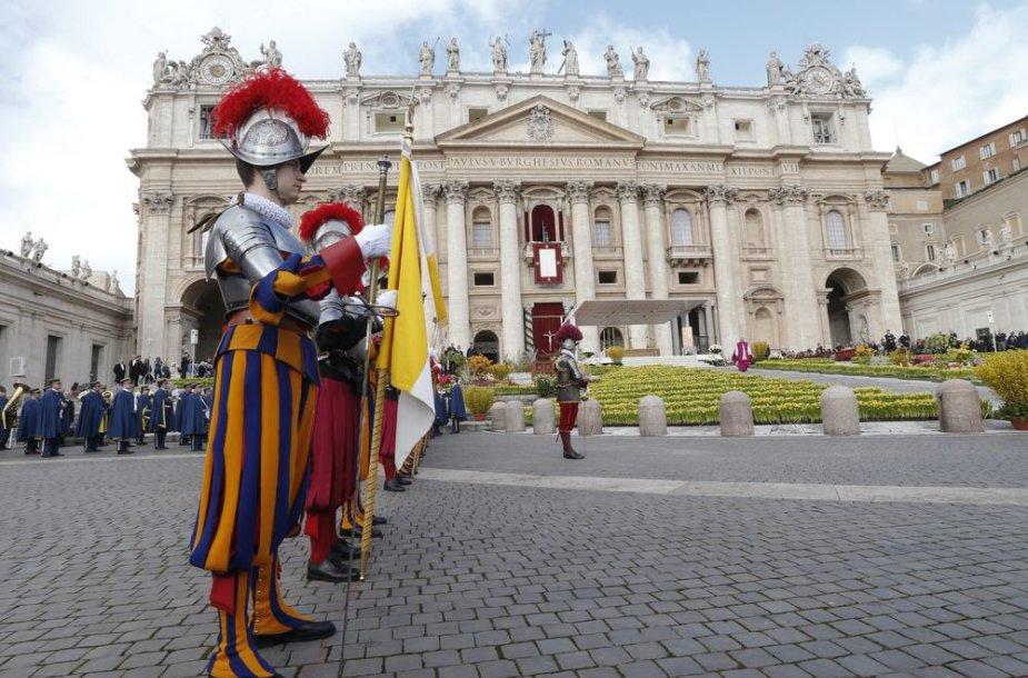 Velykų iškilmės Šv. Petro aikštėje
