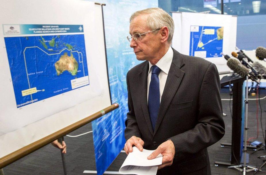 Australijos jūrų saugumo valdybos pareigūnas Johnas Youngas