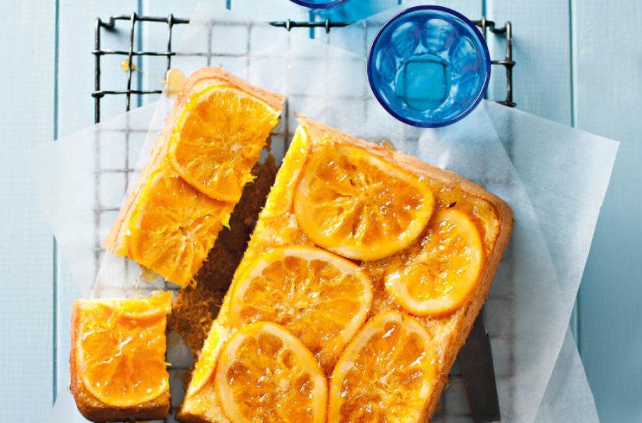 Pyragas su apelsinais