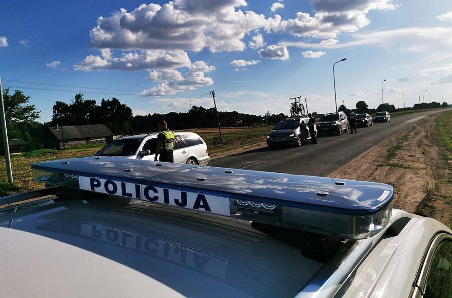 Akimirkos iš Kauno apskrities policijos reidų