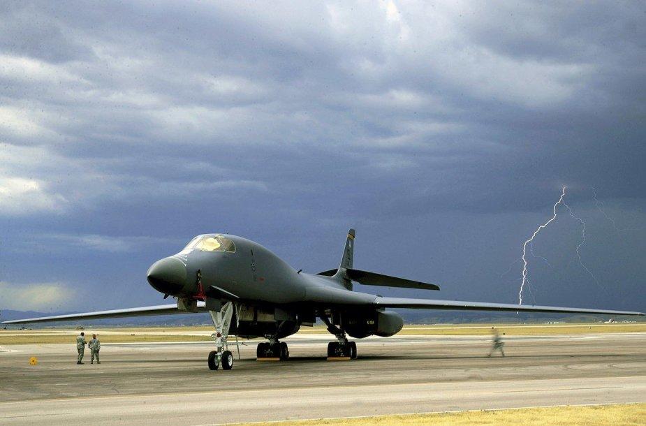 B-1B jau laukia išėjimo į atsargą