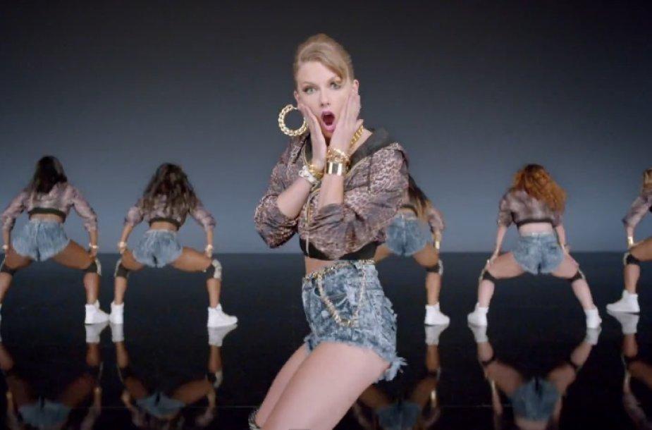 "Taylor Swift dainos ""Shake It Off"" vaizdo klipe"