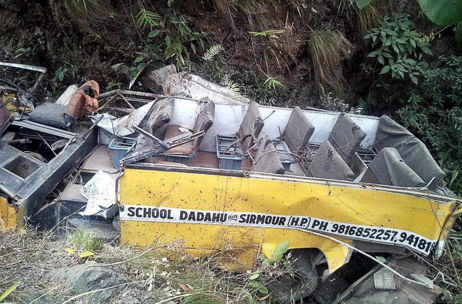 Autobuso avarija Indijoje