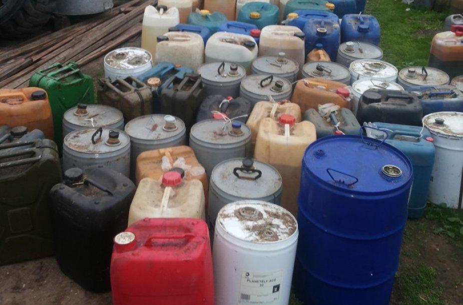 Aptikta 11 tonų dyzelino be įsigijimo dokumentų