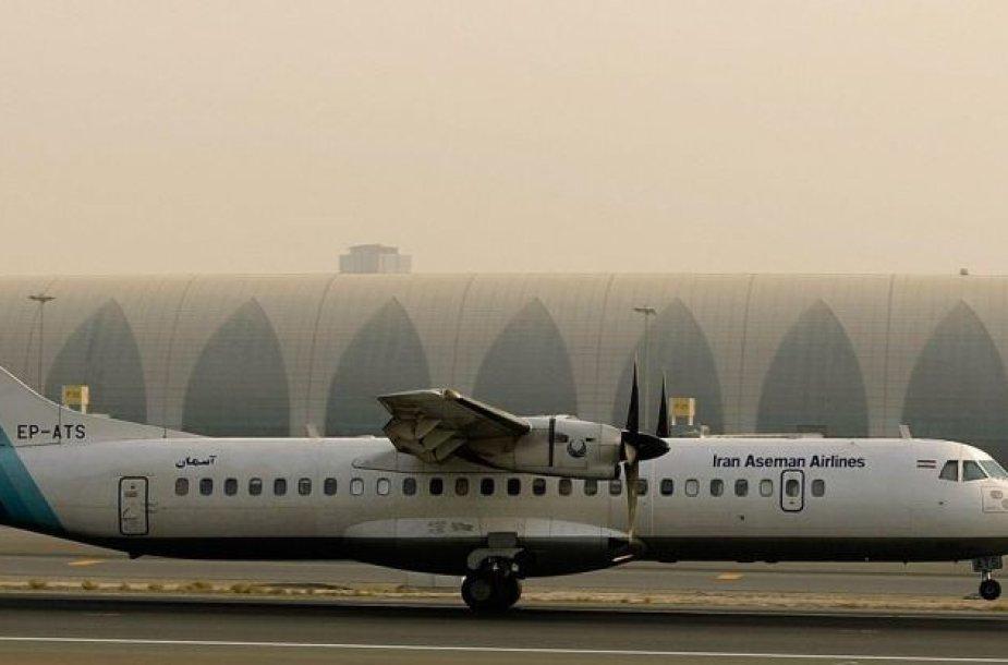"""Sudužęs lėktuvas """"ATR 72"""" priklausė pusiau privačiai aviakompanijai """"Aseman Airlines""""."""