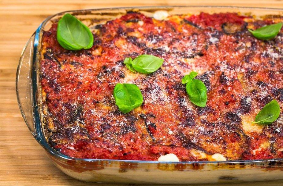 """""""Cannelloni"""" makaronai, įdaryti jautienos faršu su baklažanais"""