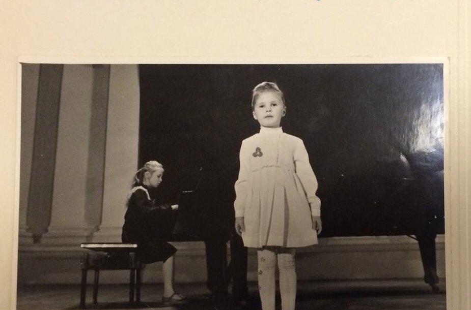 Natalija Bunkė ir Kristina Ivanova vaikystėje
