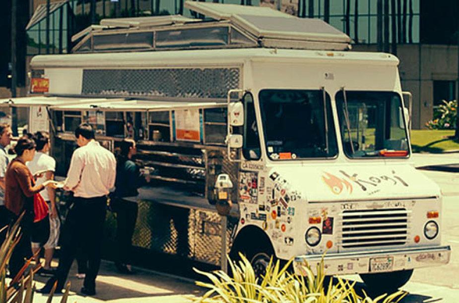 """Populiarus maisto furgonų tinklas Los Andžele – """"Kobi BBQ"""""""
