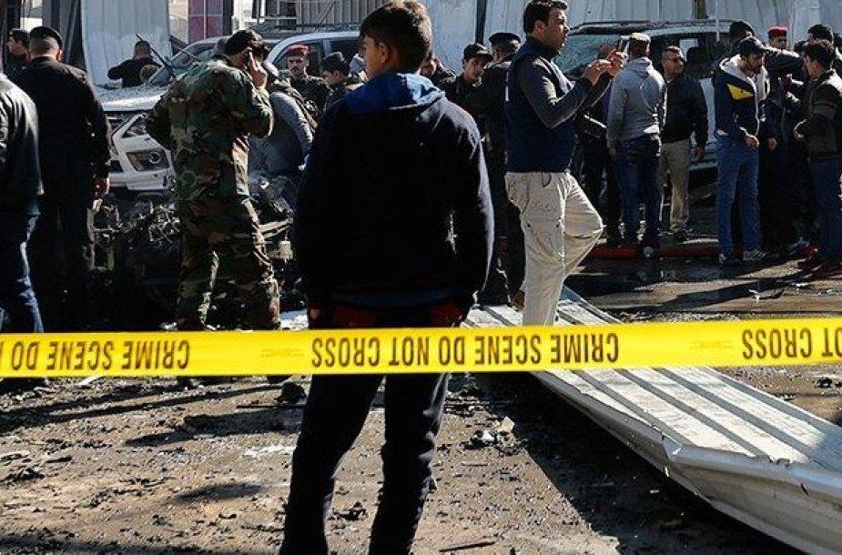 Irako pietuose per išpuolį žuvo mažiausiai 50 žmonių