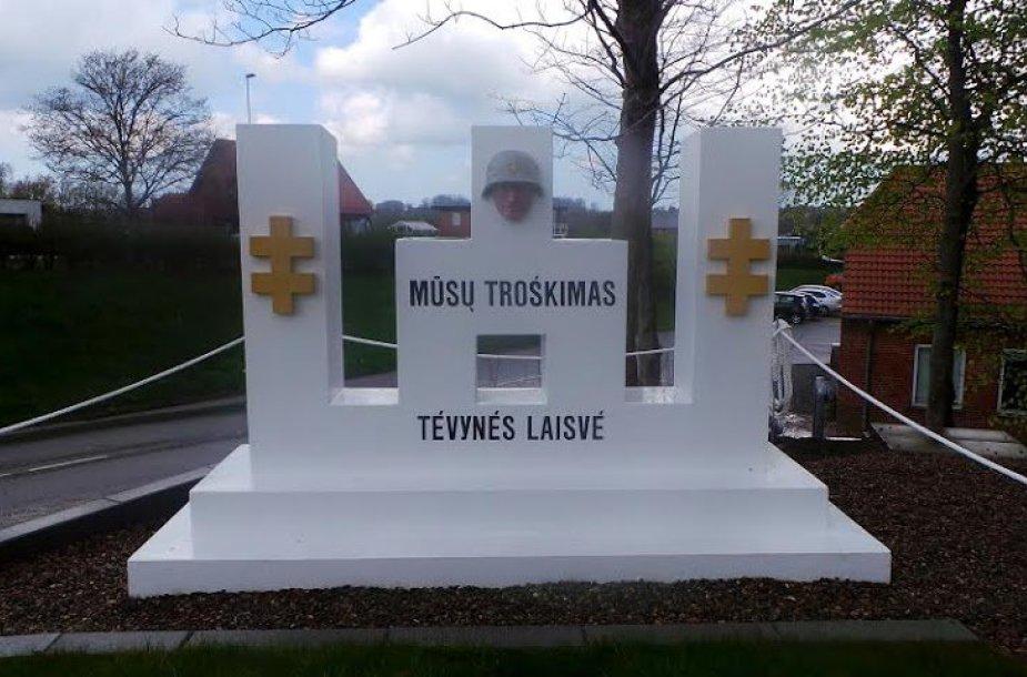 Danijoje lietuviai ir danai susirinko švęsti draugystės prie 1947 m. pastatyto lietuviško kryžiaus