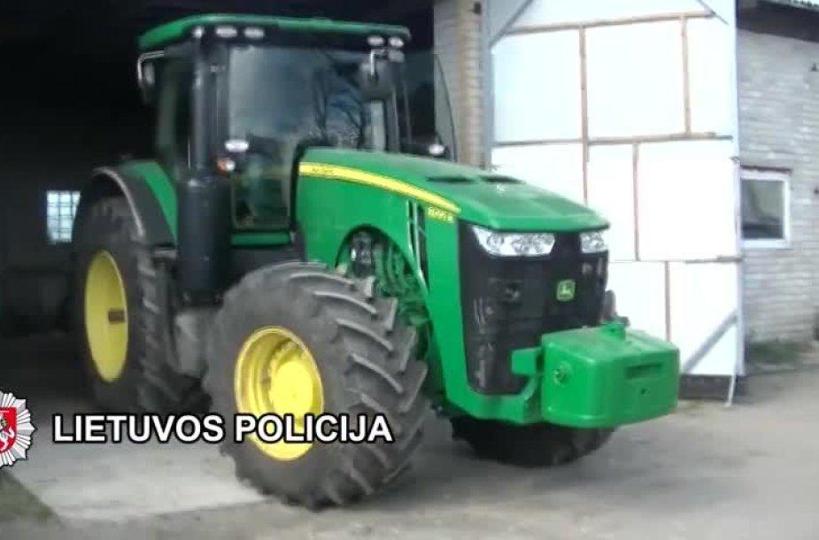 lietuviai-itariami-is-svedu-nuvare-traktorius-uz-puse-milijono-euru