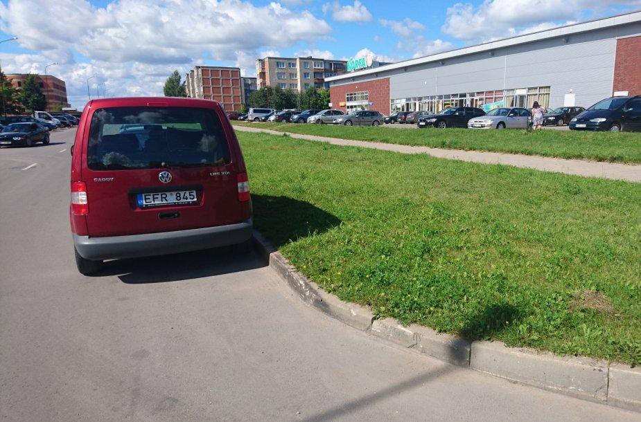 """""""VW Caddy"""" su greičio matuokliu Šiauliuose"""