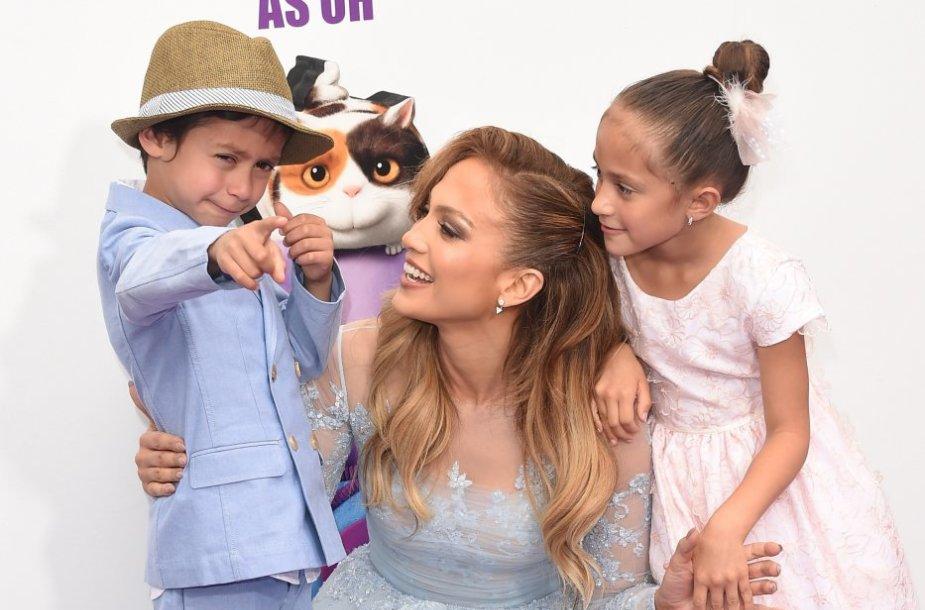 Jennifer Lopez su vaikais Maxu ir Emme