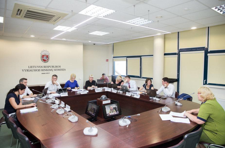 Vyriausiosios rinkimų komisijos posėdžio akimirka