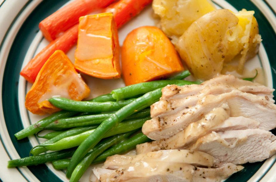 Vištiena su daržovėmis