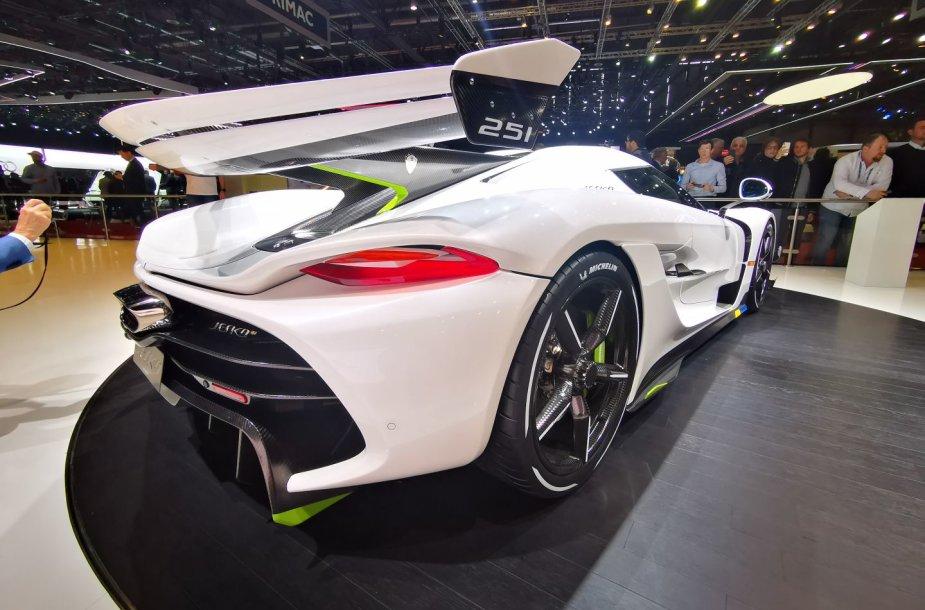 "Superautomobilis ""Koenigsegg Jesko"", išvystantis 1600 AG"