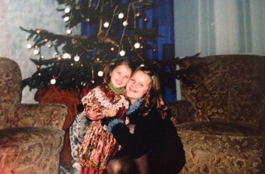 Neringa Šiaudikytė su sese Gintare