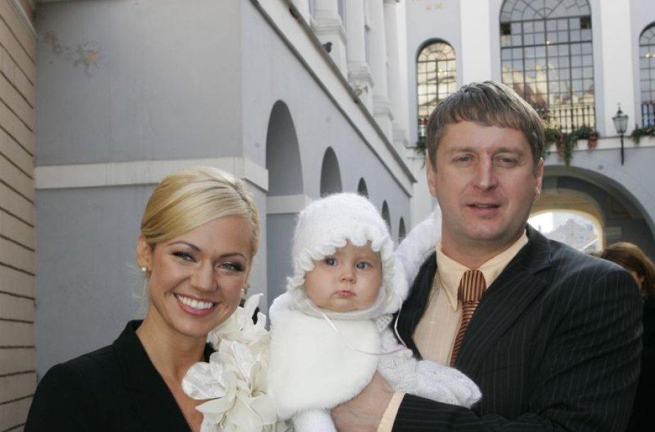 Foto naujienai: Elegantiškos Ingridos Martinkėnaitės dukrelės krikštynos