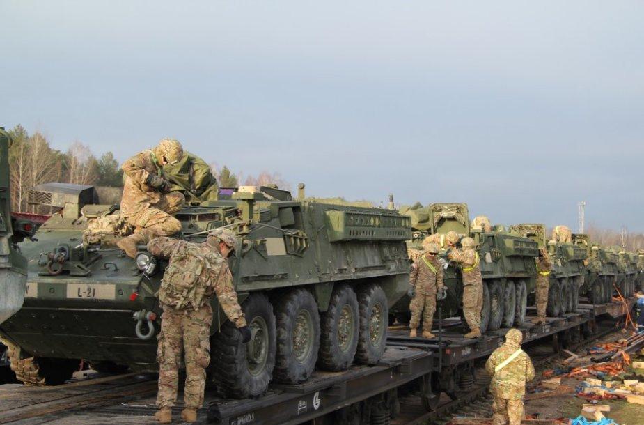 JAV karinio transporto atvykimas